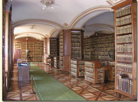 Dagor Larcus - Portal Kalocsa-prunksaal